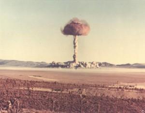 vzrivi atomnoi bombi